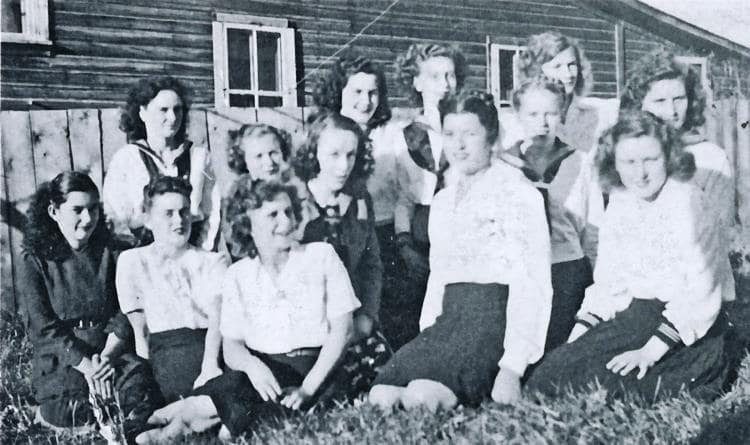 Back Row: Mary McGinnis, Nioma McNabb, Laura Gould, Jean Belfry. Second Row: unknown, unknown, Erica Griefenberger, Lorna Wopenford, Fay McCully. Front Row: Violet Huxted, Ruth Johnson, unknown, unknown.