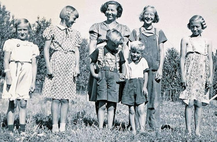 Mary Ausland and children at Big River.