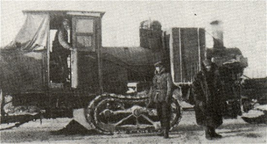 Dinkey Engine with load and crew.